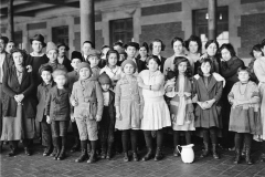 f Immigrant children, 1908